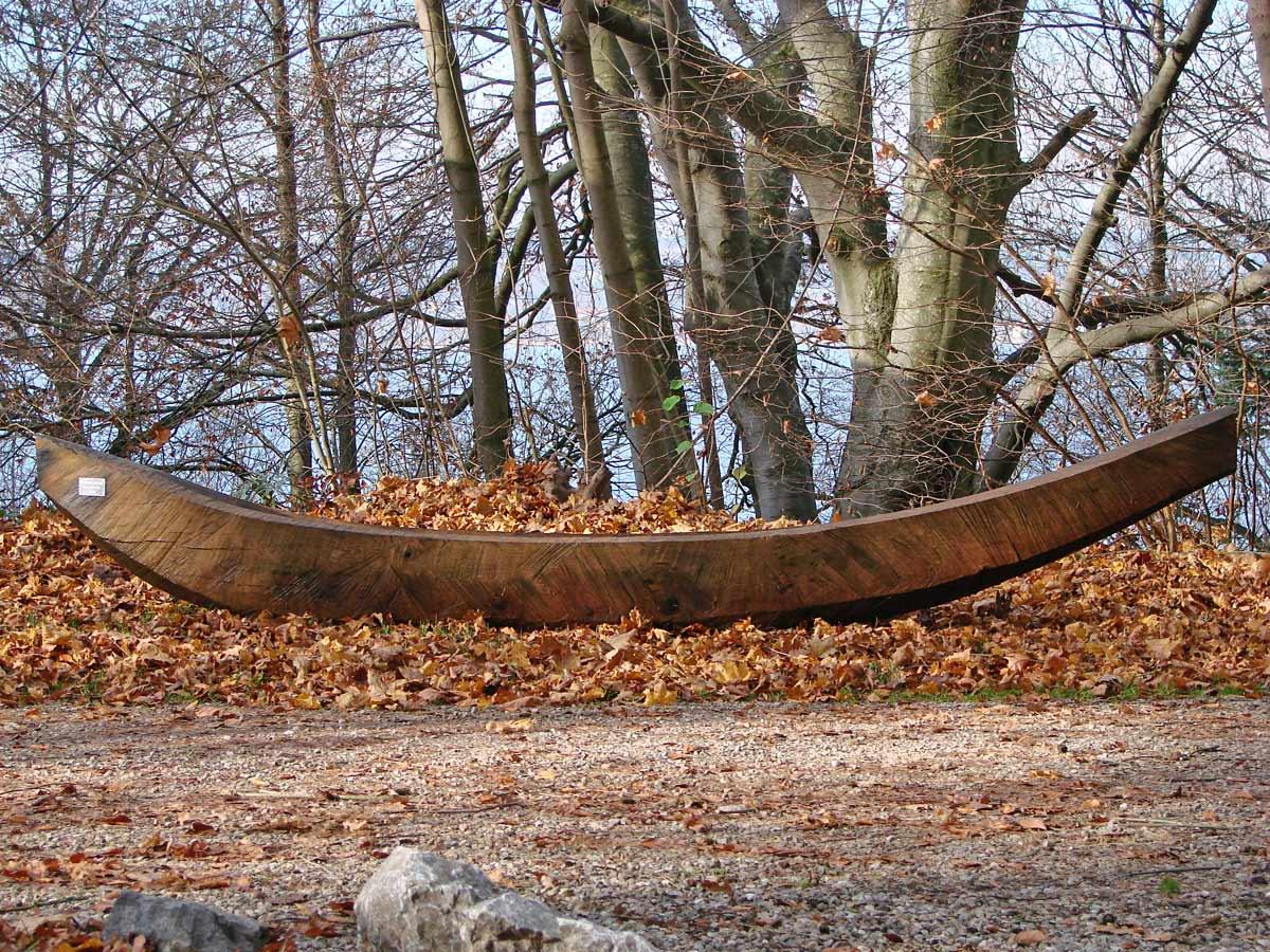 Einbaum - Holzskulptur von Iris von Huene